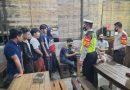 Beri Himbauan Patuhi Prokes, Jajaran Polsek Duduksampeyan Sambangi Warkop