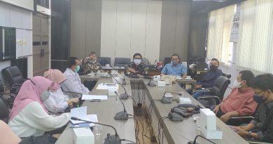 Komisi 4 DPRD Gresik Heraring Bersama Dinkes Dan RS Ibnu Sina Terkait Penangganan Covid 19